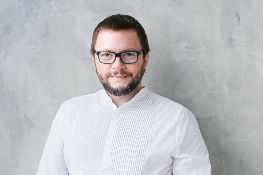 Интервью сруководителем программы «Дизайн» Школы дизайна НИУ ВШЭ— Санкт-Петербург Митей Харшаком