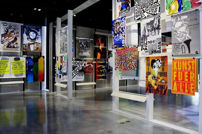 Работы студентов Школы дизайна вэкспозиции французского биеннале вгалерее LeSigne