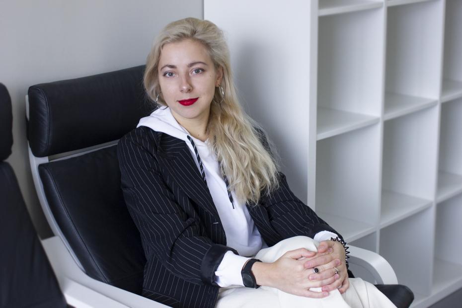 Наташа Джола