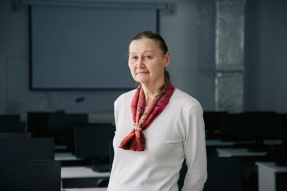 Нина Карамнова