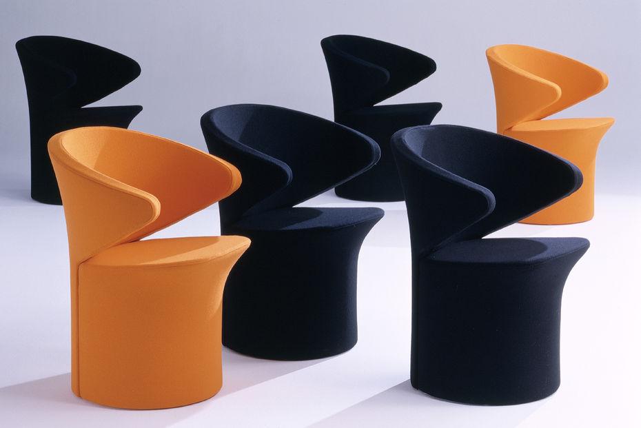 Кресло Focus. Изпластика или смягкой обивкой тканью или кожей. Металлический каркас.2002