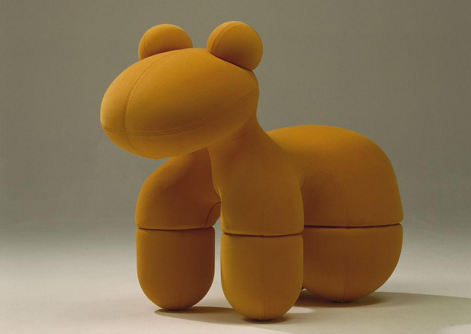 Кресло Pony. Cмягкой обивкой тканью. Металлический каркас.1973