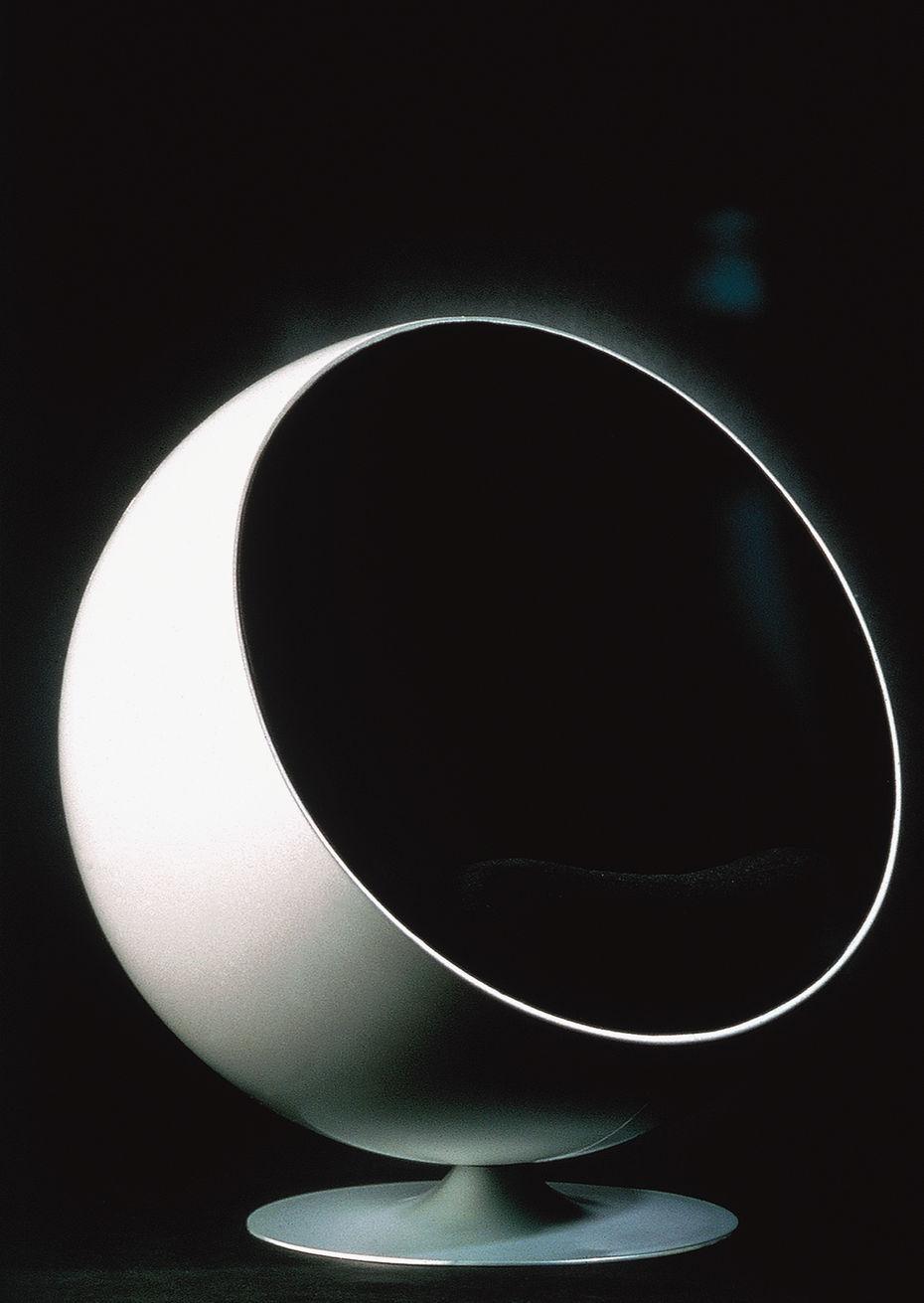 Кресло Ball. Стекловолокно, мягкая обивка.1963