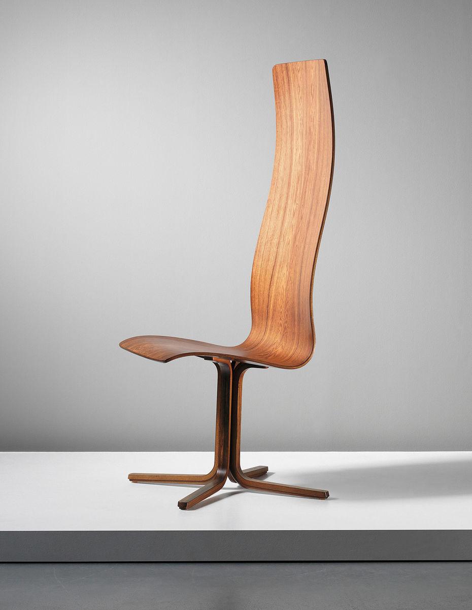 Oxford-chair. Создано для колледжа Святой Катерины вОксфорде. Первый выпуск, имеющий ноги изгнутой древесины. Производство компании Fritz Hansen.1962 год