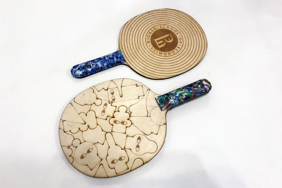 Ручки ракетки для пинг-понга изпереработанного пластика. Шухов лаб, Россия