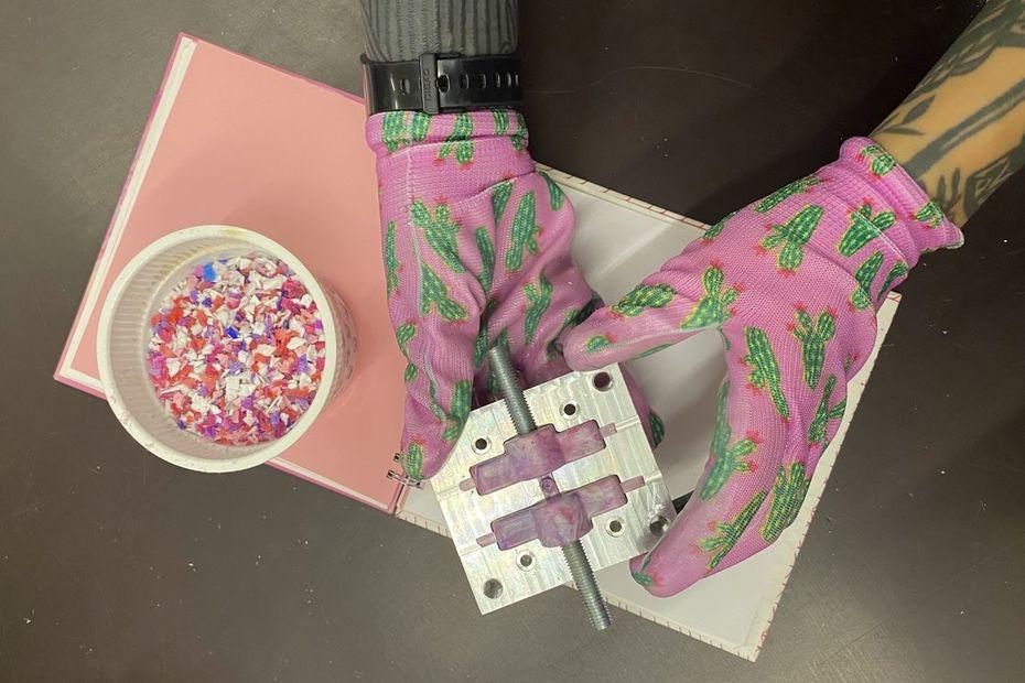Винт «барашек» изпереработанного пластика. Студия Zerowaste.lab, Россия