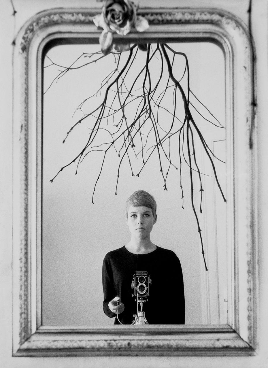 Астрид Кирхерр, автопортрет. Источник: сайт www.snapgalleries.com